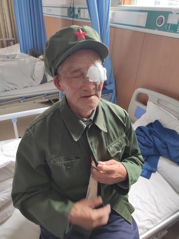 """我参加过上甘岭战役"""" 87岁老兵白内障术后打开话匣子"""